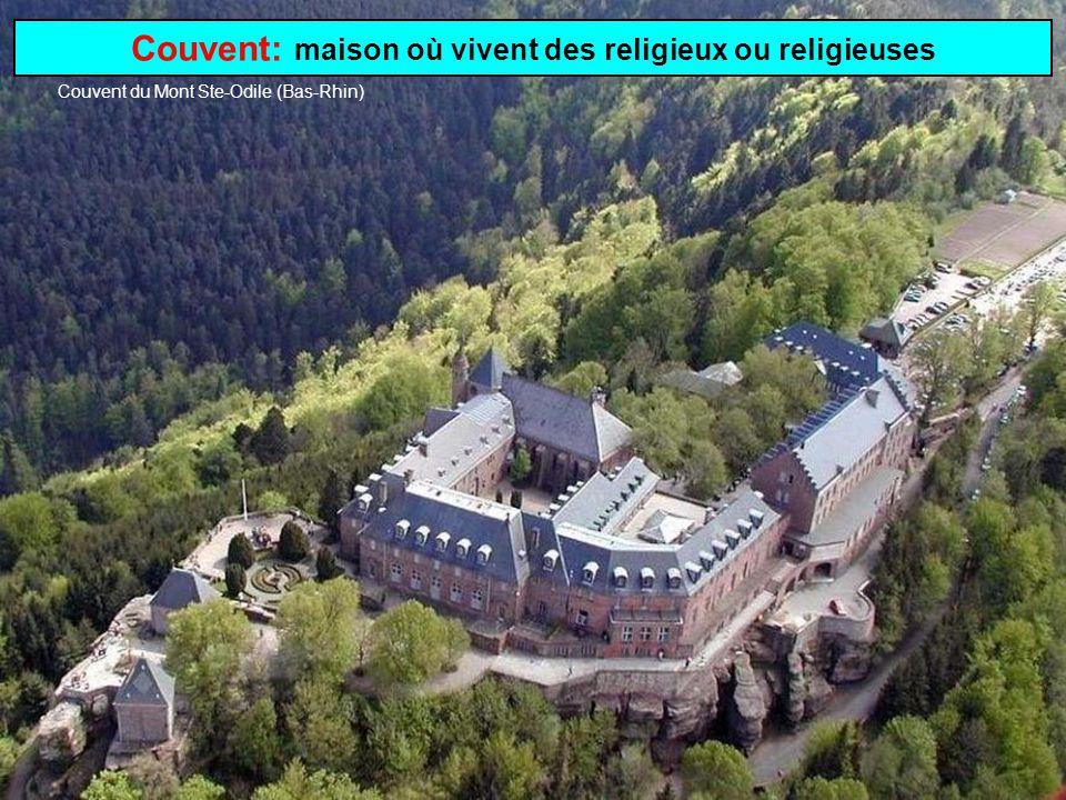 Monastère: établissement où vivent des moines Monastère de la Grande Chartreuse (Isère)
