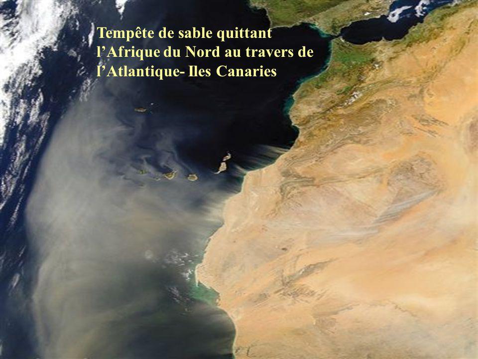 Tempête de sable quittant lAfrique du Nord au travers de lAtlantique- Iles Canaries