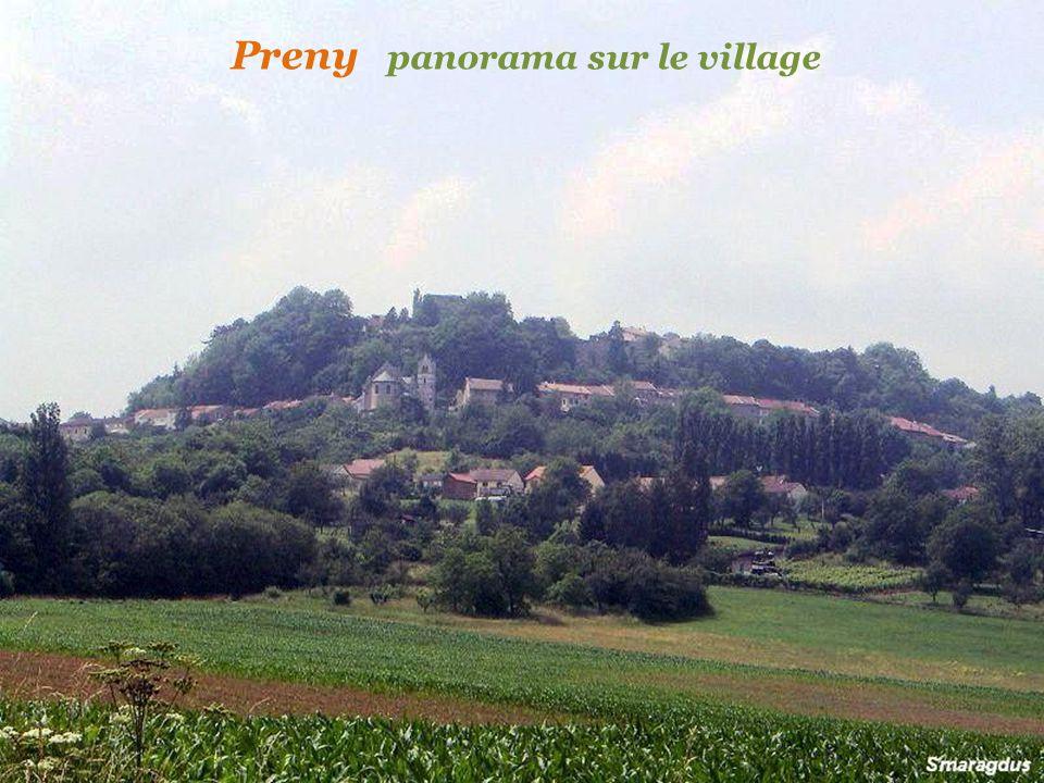 Montauville léglise et le village