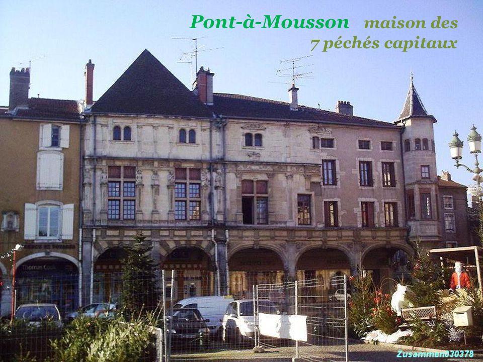 - Pont-à-Mousson - Haut-fourneau, Saint-Gobain. Fontaine rouge..