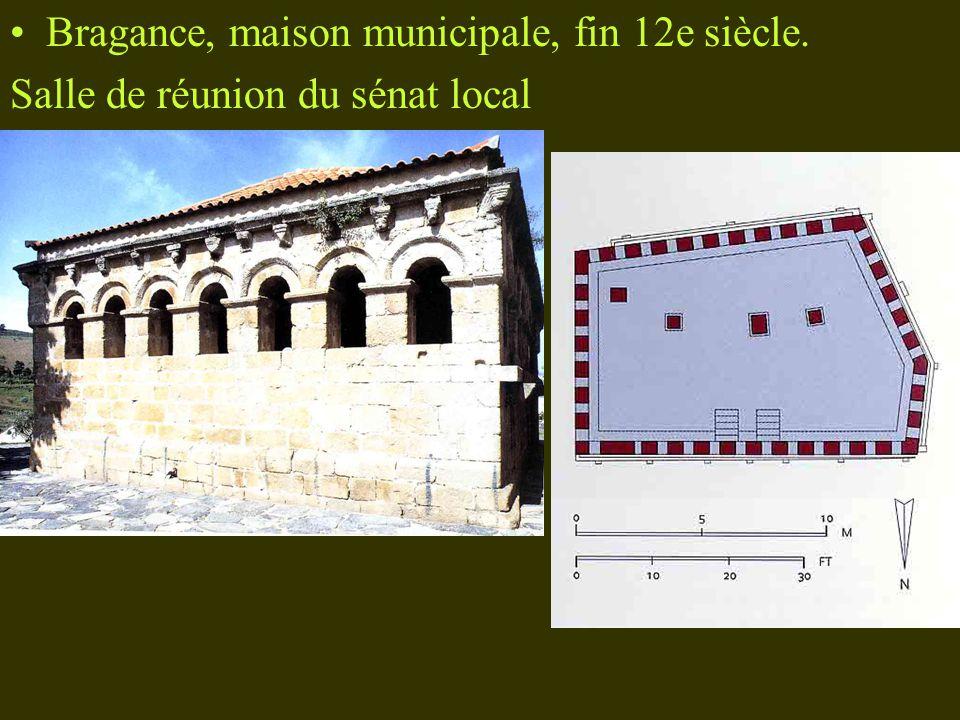 Bragance, maison municipale, fin 12e siècle. Salle de réunion du sénat local