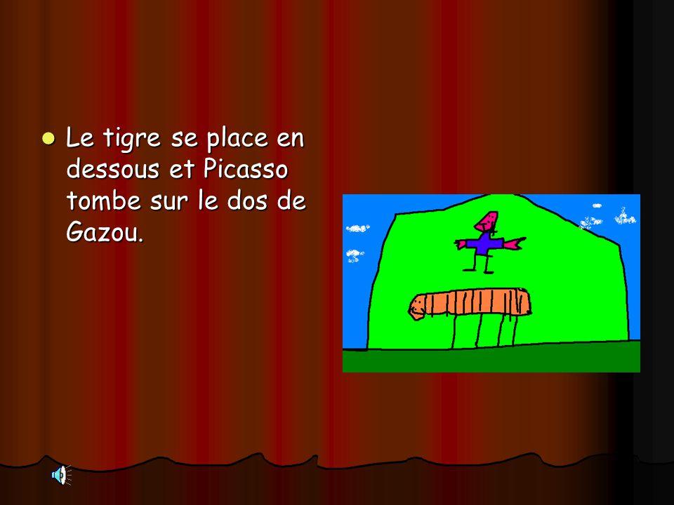 Le tigre se place en dessous et Picasso tombe sur le dos de Gazou. Le tigre se place en dessous et Picasso tombe sur le dos de Gazou.