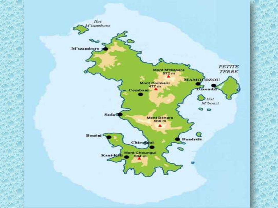 Mayotte est une collectivité d'outre-mer française. Elle fait partie de l'archipel des Comores, au nord-ouest de Madagascar. Mayotte est la plus ancie