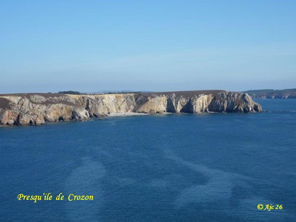 Agriculteur breton dans les Monts d Arrée © Ajc 26