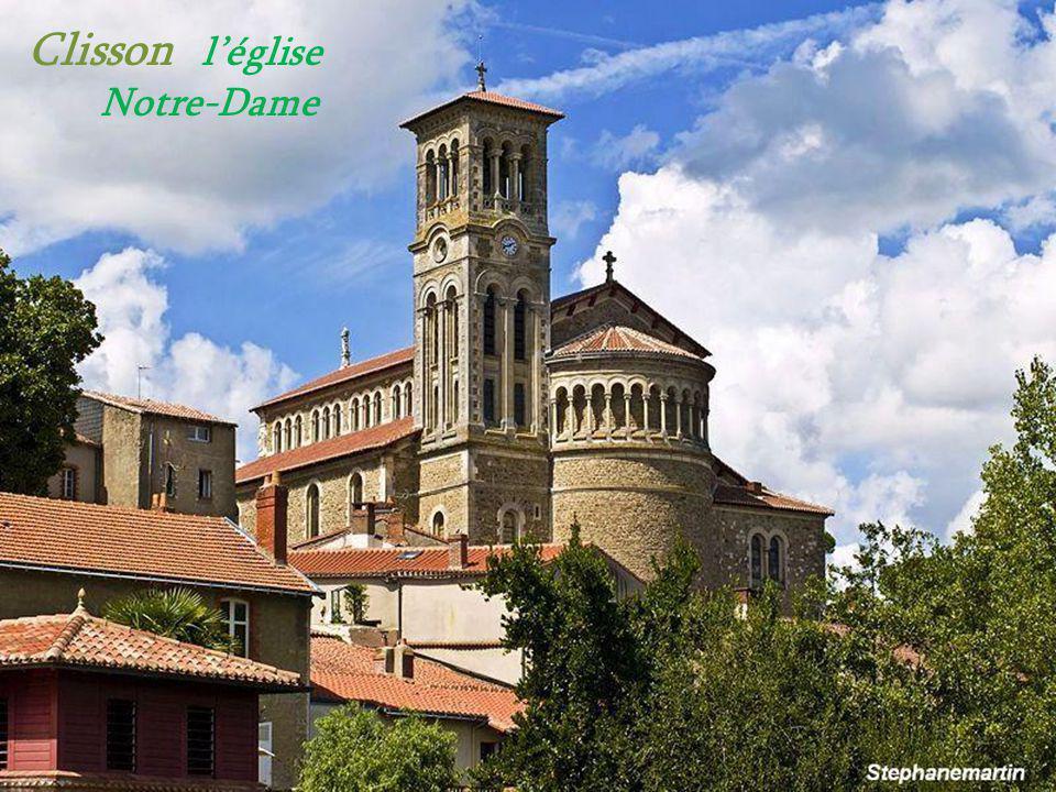 Vertou le château de Portillon sur les berges de la Sèvre Nantaise