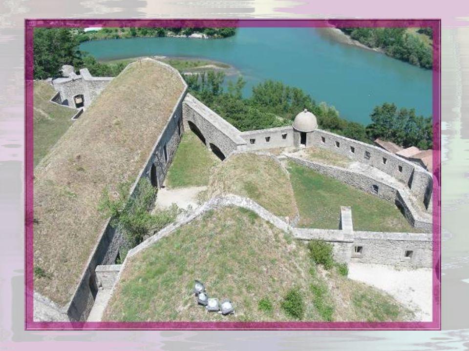 Le prince Jean-Casimir Vasa, futur roi de Pologne, accusé de complot contre la France, fut retenu prisonnier dans le donjon, sur ordre de Richelieu, d