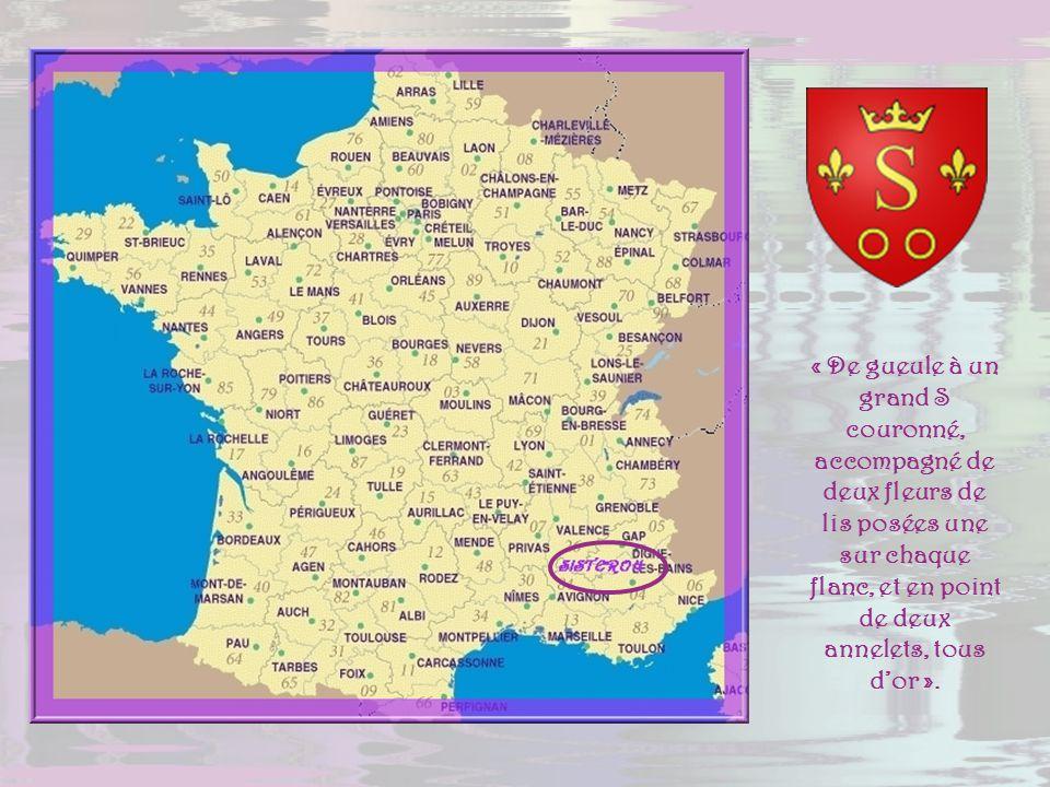 La perle de la Haute-Provence, Sisteron, est une petite localité denviron 8 000 habitants. Bâtie au bord de la Durance, elle constitue la halte idéale