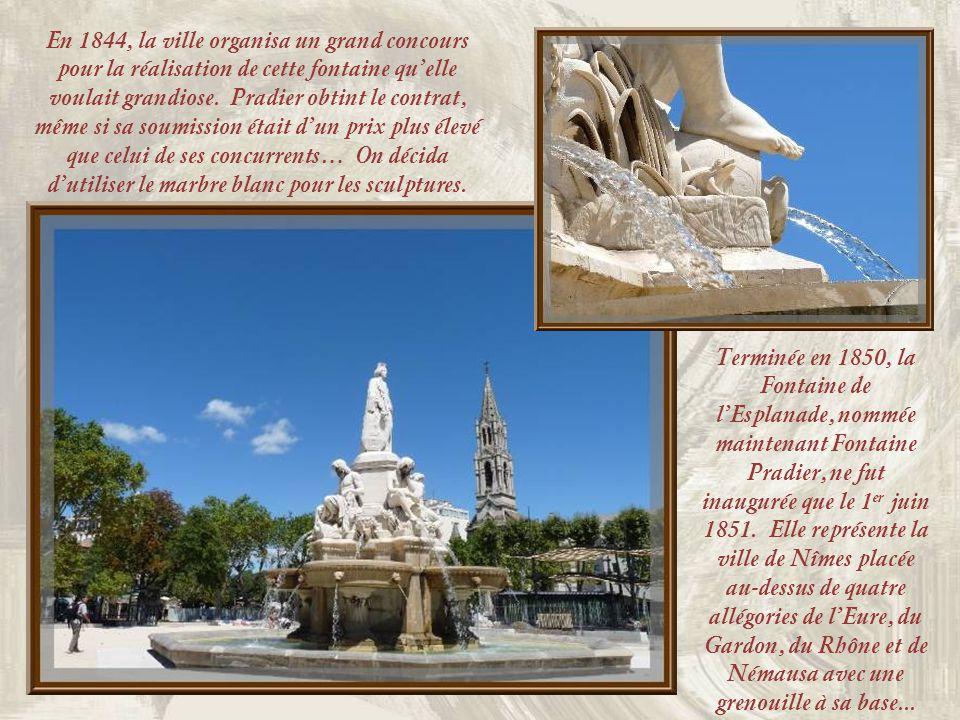 Divers aspects du Palais de Justice, édifié de 1836 à 1846, juste en face des Arènes de Nîmes, par larchitecte Gaston Bourdon. Ses colonnades ne sont