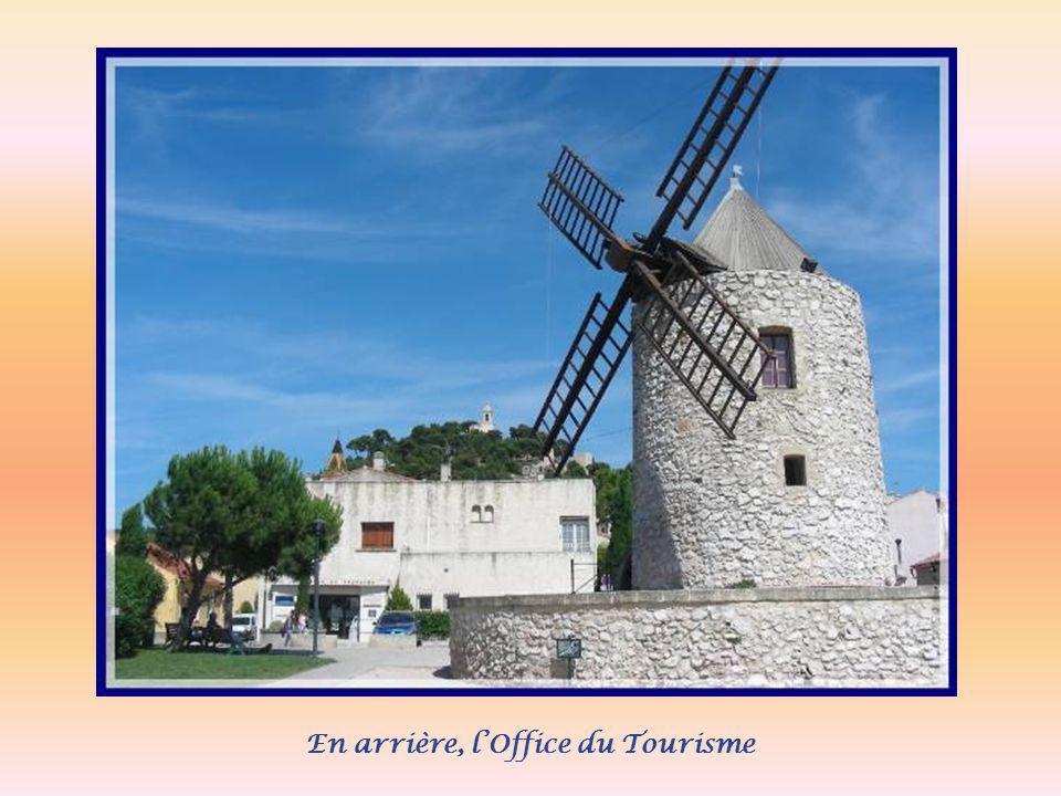 Les moulins occupèrent une place dimportance dans la vie de la cité.