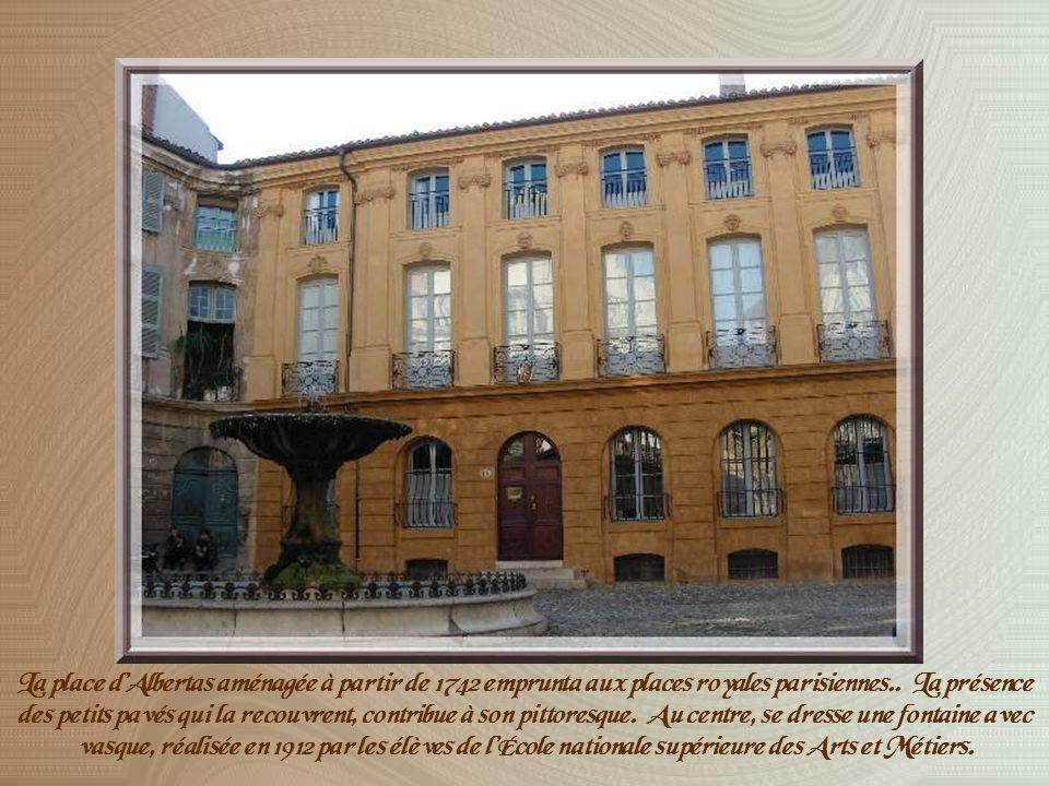 À lopposé de la Rotonde, le Cours Mirabeau se termine par lhôtel du Poët devant lequel a été érigée une statue du bon Roi René, figure emblématique de la Provence.