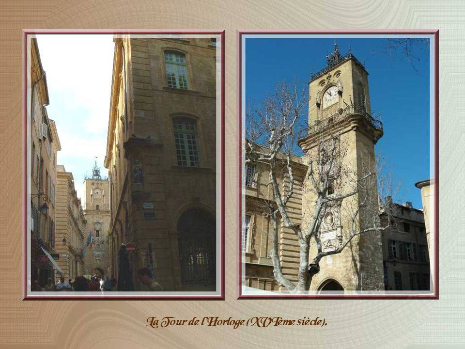 Arpentant les petites rues du centre de la ville, nous nous dirigerons vers la place Richelme, ancienne Place aux herbes.