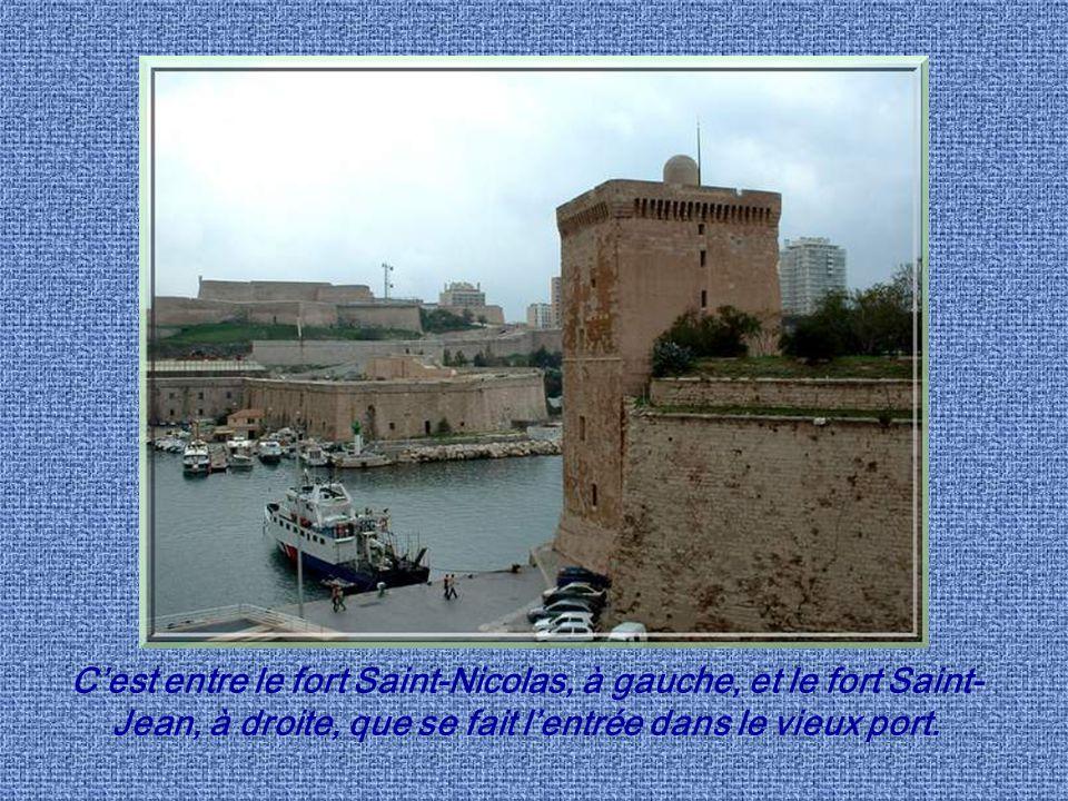 Pour beaucoup, quand on parle de Marseille, cest la Canebière qui vient à lesprit, puis Notre-Dame de la Garde et surtout le vieux port. Il fut, en ef
