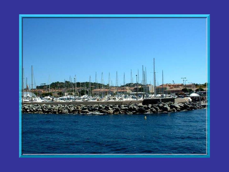 Le nom de Saint-Tropez lui vient dun riche patricien romain Caïus Silvius Torpetlus qui, converti par Saint-Paul, fit une profession de foi publique d