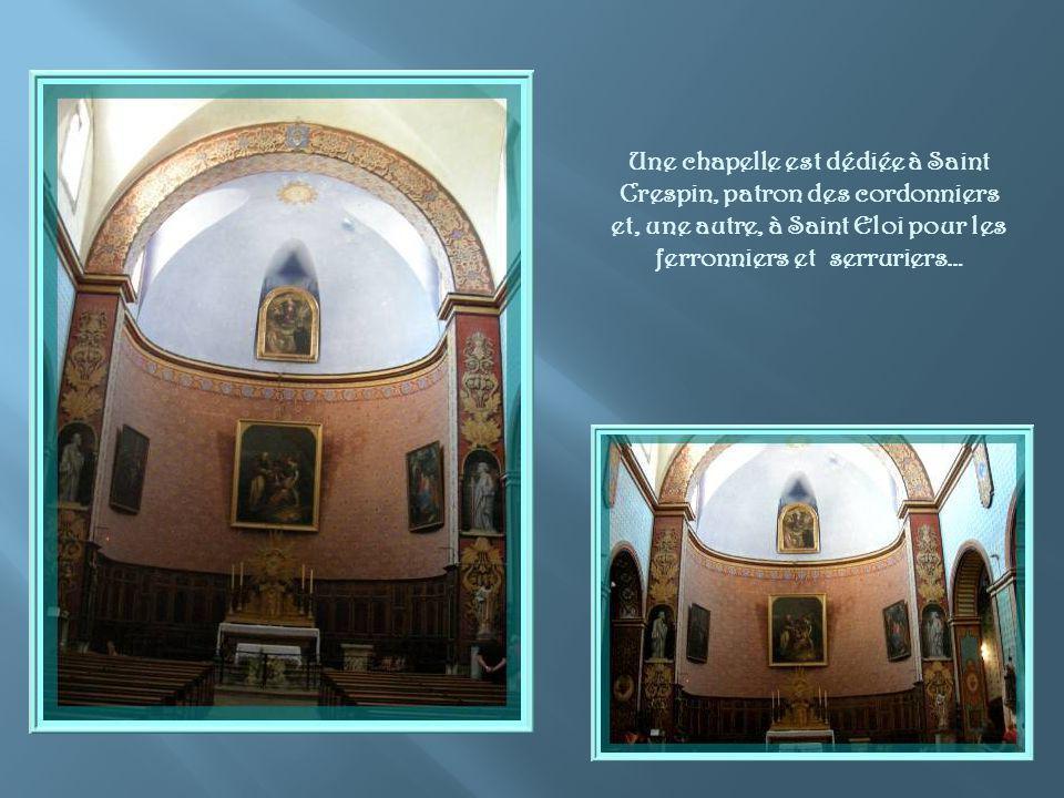 Lescalier nous amène à léglise réédifiée au XVIIIe siècle et mise alors sous la protection de Saint Firmin.