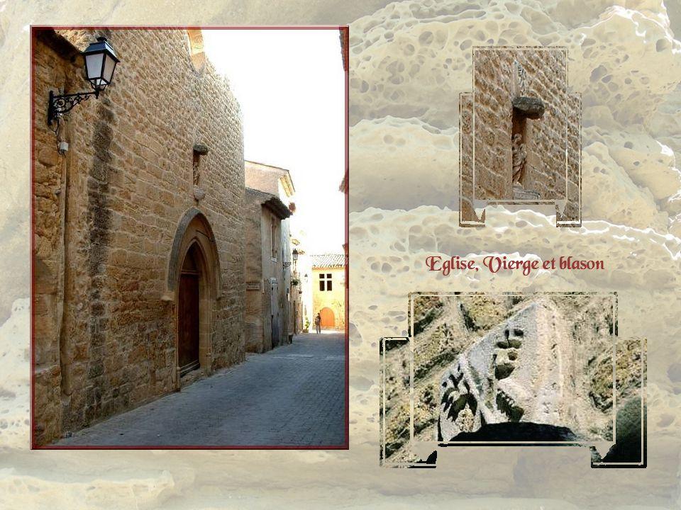 Léglise, Notre-Dame de Beauvezer, date probablement du XVe siècle. Au-dessus de lentrée, une Vierge, dans une niche, est surmontée du blason de Montma