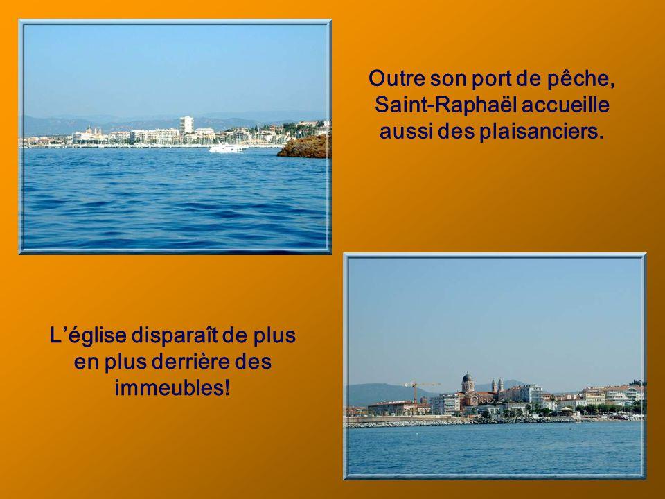Mais, bien sûr, cest de la mer que ces deux villes tirent maintenant toute leur importance.