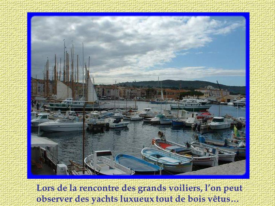 Dominant la mer, plus ancré dans ses traditions, se trouve le charmant village de Grimaux, coquet, fleuri avec plein de vestiges de la vie des anciens.