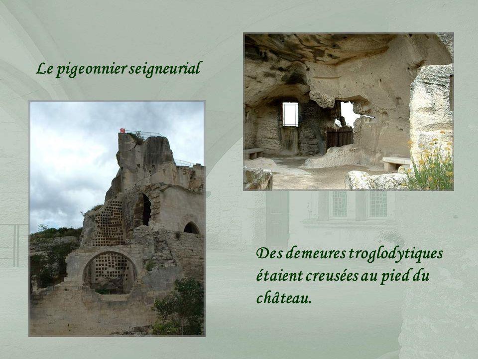 Ces machines de siège couramment utilisées au Moyen-Âge, aux Baux en particulier, sont réalisées grandeur nature.