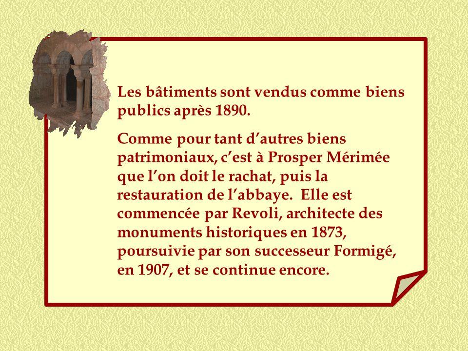 Ce clocher qui continue à se dresser fièrement a vu, dès le XVe siècle, samorcer le déclin de labbaye. A la fin du XVIIe, le prieur fait part de la gr