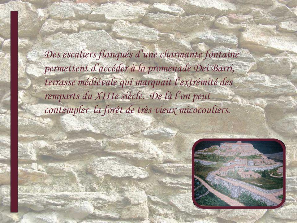 Des escaliers flanqués dune charmante fontaine permettent daccéder à la promenade Dei Barri, terrasse médiévale qui marquait lextrémité des remparts du XIIIe siècle.