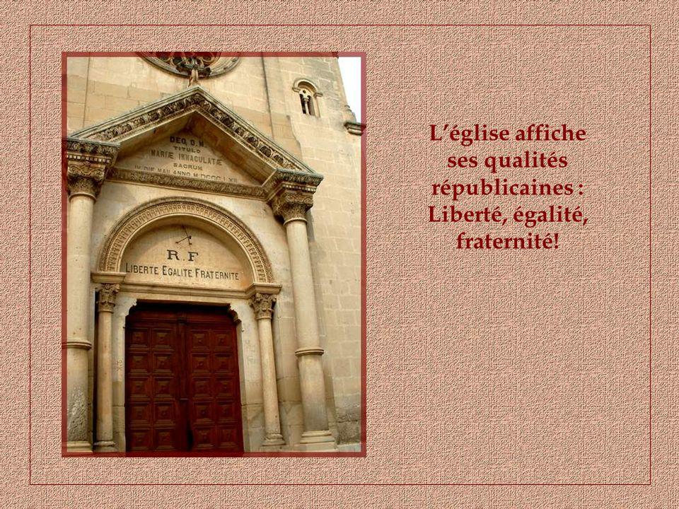 Entre deux sites docres flamboyants, nous nous arrêterons au charmant village de St-Saturnin-lès-Apt.