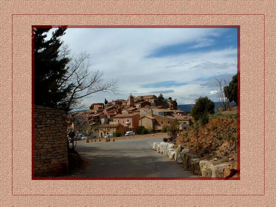 Au cœur de la Provence, existent des paysages insolites qui tranchent sur leur environnement et rappellent plutôt le Colorado. Ce sont des carrières d