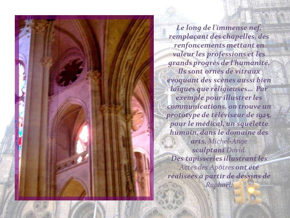 Installée sans doute bien avant Vatican II, cette jolie chaire dinspiration gothique…