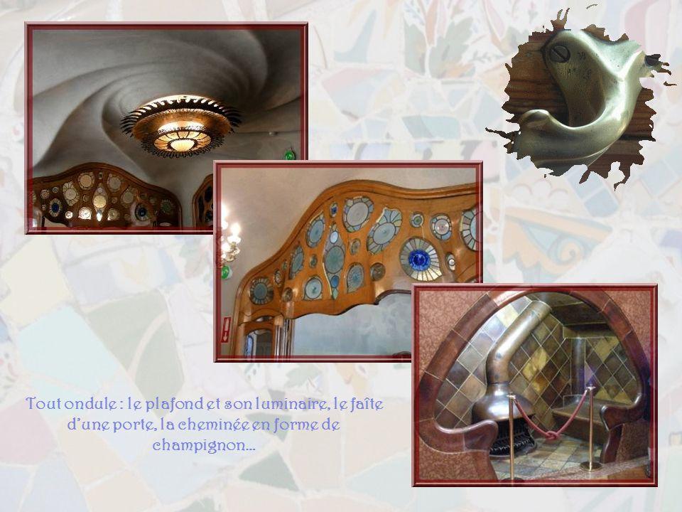 Gaüdi na sans doute pas laissé de traces de ce qui la inspiré pour le détail de la façade. Les interprétations sont donc variées. Les uns y voient le