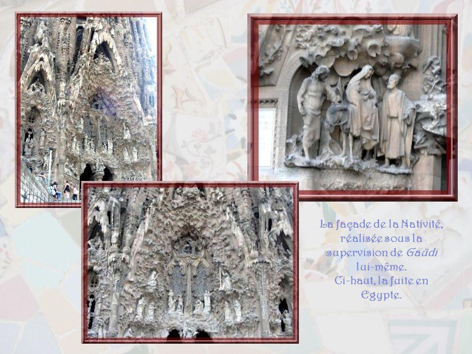La Sagrada Familia est une véritable bible de pierre. Cest une synthèse de tout le savoir architectural de Gaüdi. Terminée, elle devrait offrir, à la