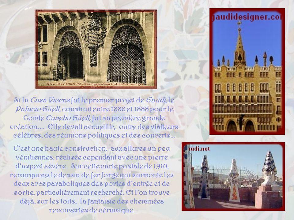 Dinspiration indienne et japonaise, la Casa Vicens fut parmi les premières réalisations de Gaüdi, de 1883 à 1888, recouverte de magnifiques azulejos v