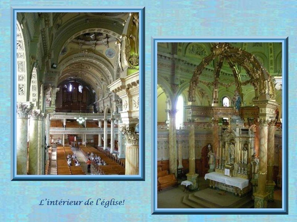 Trois-Pistoles possède, en son centre, une immense église de la taille dune cathédrale, Notre-Dame- des-Neiges.