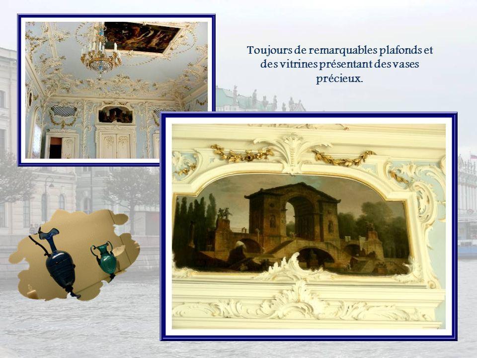 Le deuxième étage du vieil Ermitage est consacré à lart italien. Ici, on retrouve des œuvres du Titien. En haut, à droite, Danaé (entre 1546 et 1553),