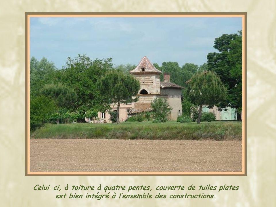 A Sauveterre se termine la tournée proposée par le Comité départemental du Tourisme du Tarn. Toutefois, en parcourant les petites routes, jai eu locca
