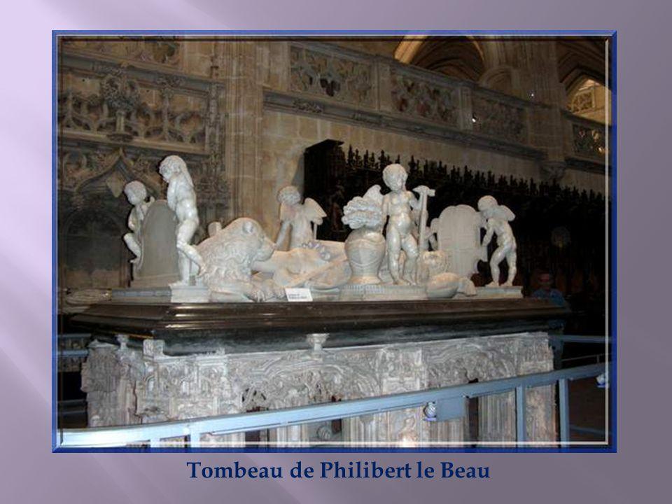 Les tombeaux ont été commandés, en 1516, à Jean Van Roome dit Jean de Bruxelles, qui en a conçu les dessins. Les sculptures ont été réalisées par un a