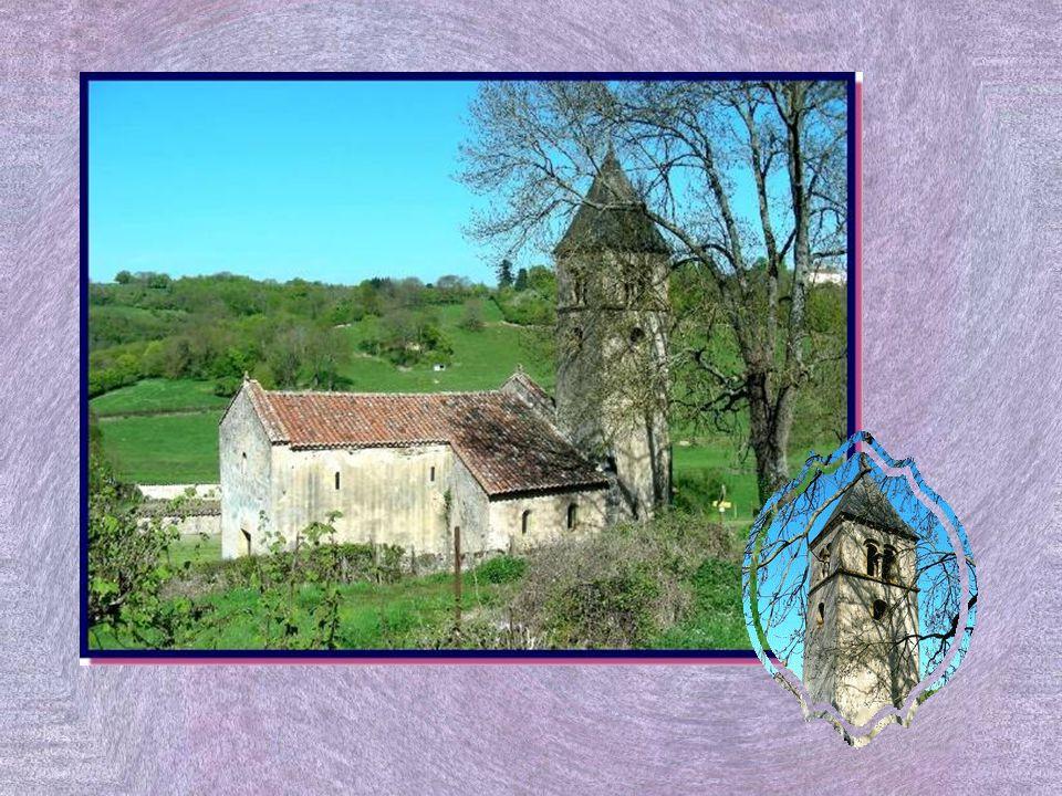 Le Prieuré Saint-Hugues fut construit à partir de 1830 pour abriter un petit séminaire.
