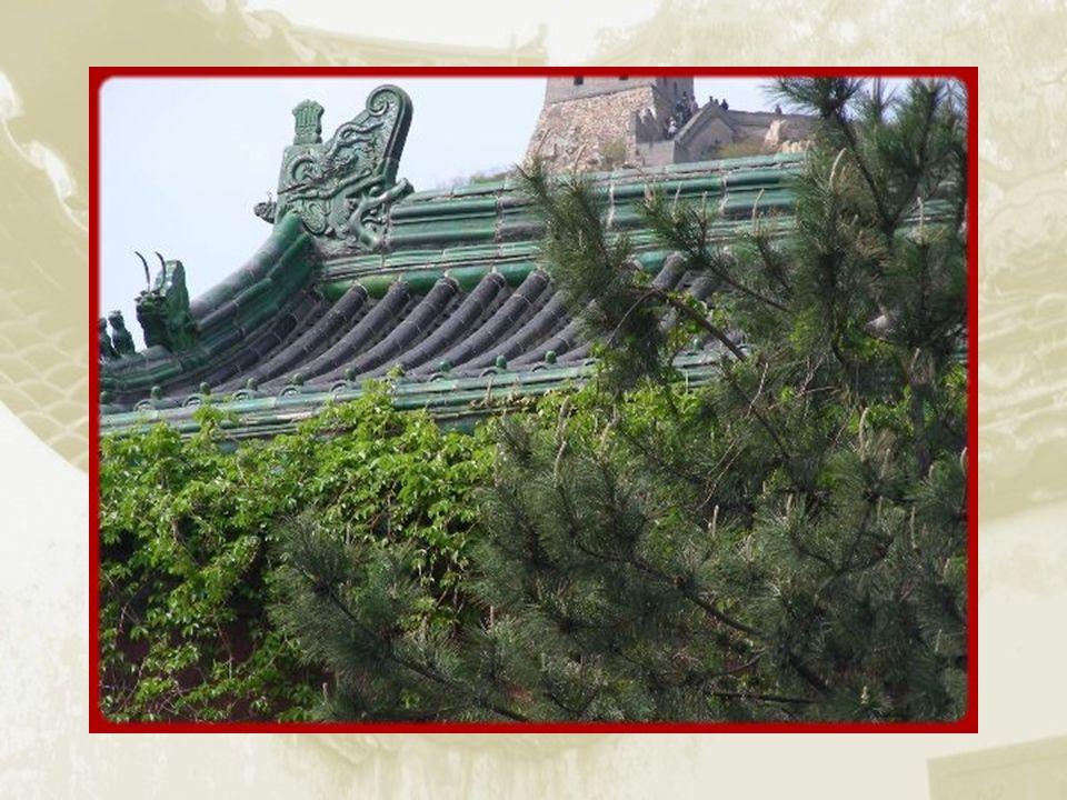 Sur le chemin du retour, arrêt aux tombeaux de la dynastie des Ming.