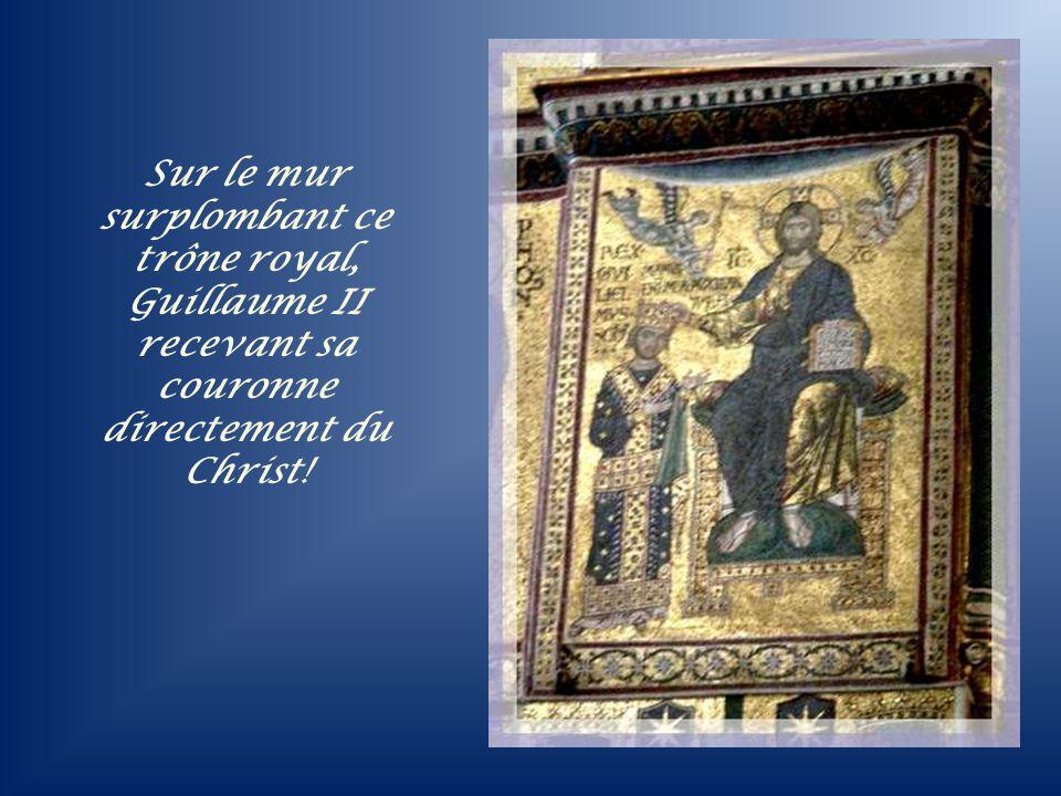 Un orgue moderne voisine avec le faste des mosaïques qui surplombent le trône du roi.…
