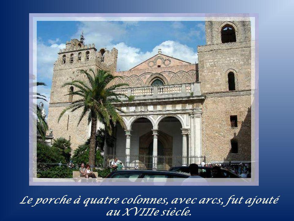 Située à une dizaine de km, au sud de Palerme, sur une terrasse du Mont Caputo, la cathédrale de Monreale, fut construite par le dernier des grands No