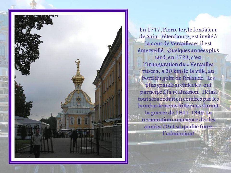 Une statue de Pierre Ier, coulée en bronze daprès le modèle exécuté par un éminent sculpteur russe, Ivan Antokolski, trouva place en 1884.