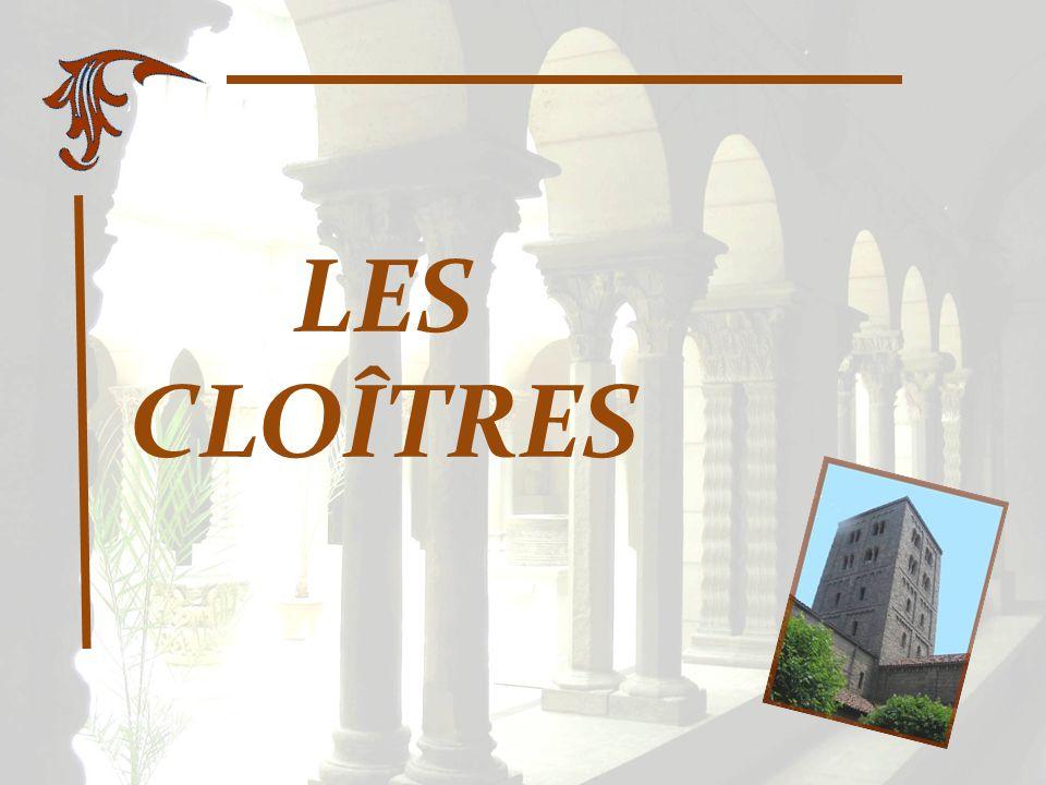 Des vestiges du XVe siècle, provenant principalement dun couvent de Carmélites de Trie-en- Bigorre, dans les Hautes-Pyrénées, mais aussi dautres établissements du sud-ouest de la France, sont visibles dans ce cloître où il est possible de se restaurer.