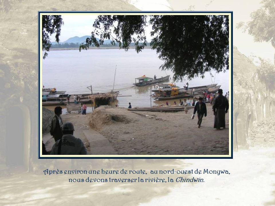 Po Wing Taung Kyaikthyo Dans cette présentation, on trouvera deux lieux sortant de lordinaire découverts durant le voyage.