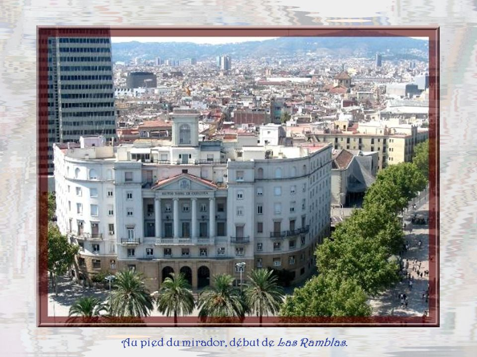 Encore la zone verte de la colline avec, à son extrémité, le Palau nacional, Museu d Art de Catalunya.
