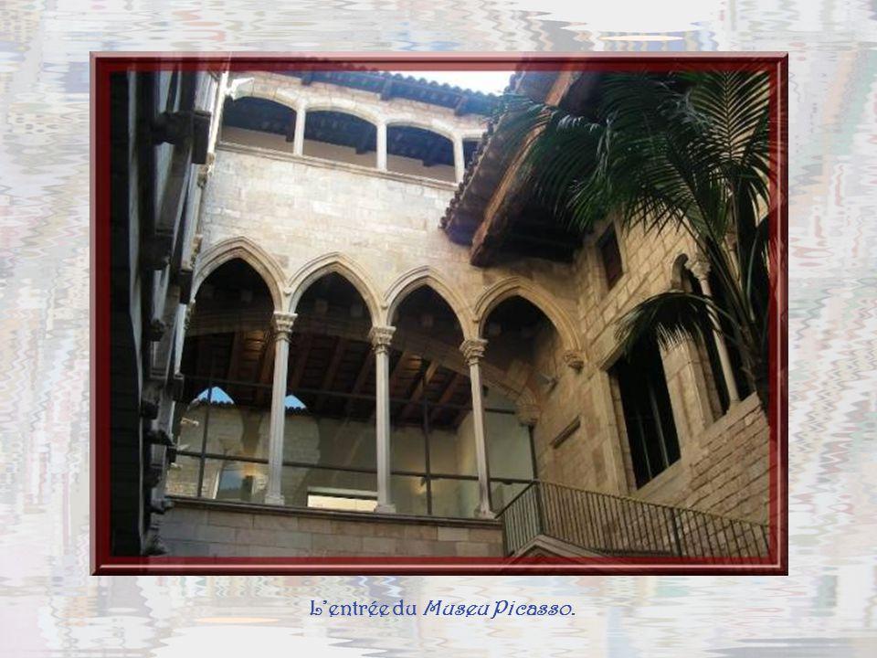 Barcelone, cest aussi une quantité de musées de grande qualité. Mais en si peu de temps, il ne métait pas possible den voir plusieurs… Jai renoncé au