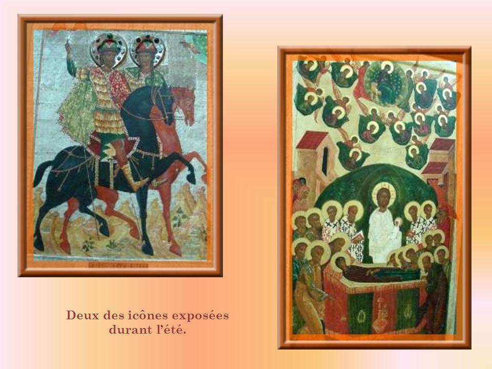 Le chœur de léglise russe, Saint-Basile.