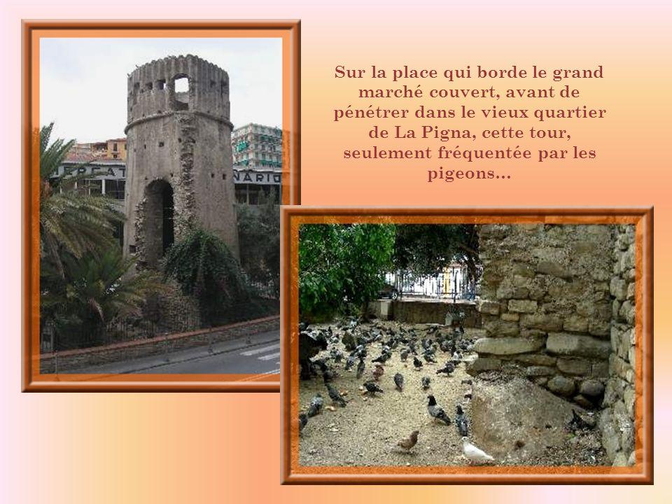Ce tympan orne le portail de léglise San-Siro.