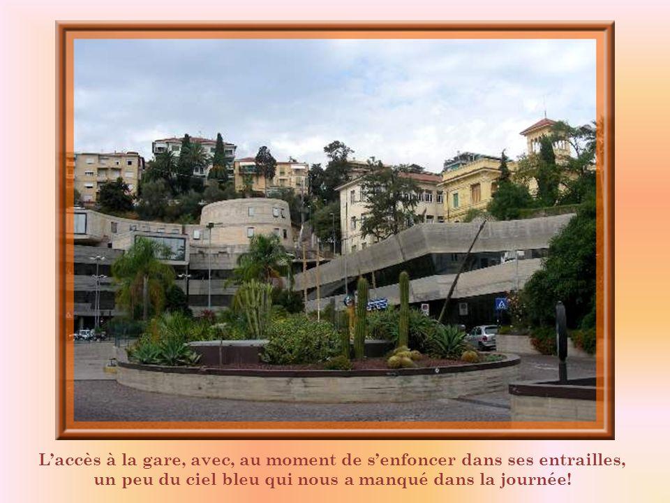 Je disais, au début, quil y a chaque semaine un grand marché à San Remo. Mais la ville est aussi connue pour ses grandes manifestations annuelles : un