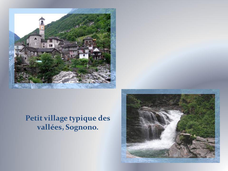 Dans la vallée de la Verzasca, ce pont que lon pourrait croire romain date, en fait, du XVIIe siècle…