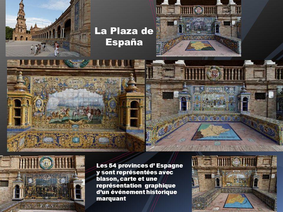 La Plaza de España Les 54 provinces d Espagne y sont représentées avec blason, carte et une représentation graphique dun événement historique marquant