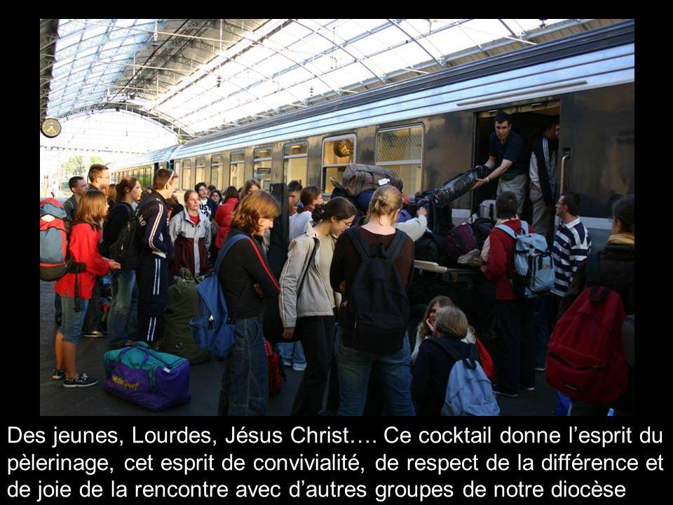 Des jeunes, Lourdes, Jésus Christ….