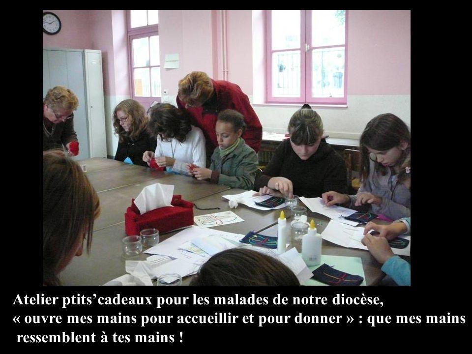 Atelier ptitscadeaux pour les malades de notre diocèse, « ouvre mes mains pour accueillir et pour donner » : que mes mains ressemblent à tes mains !